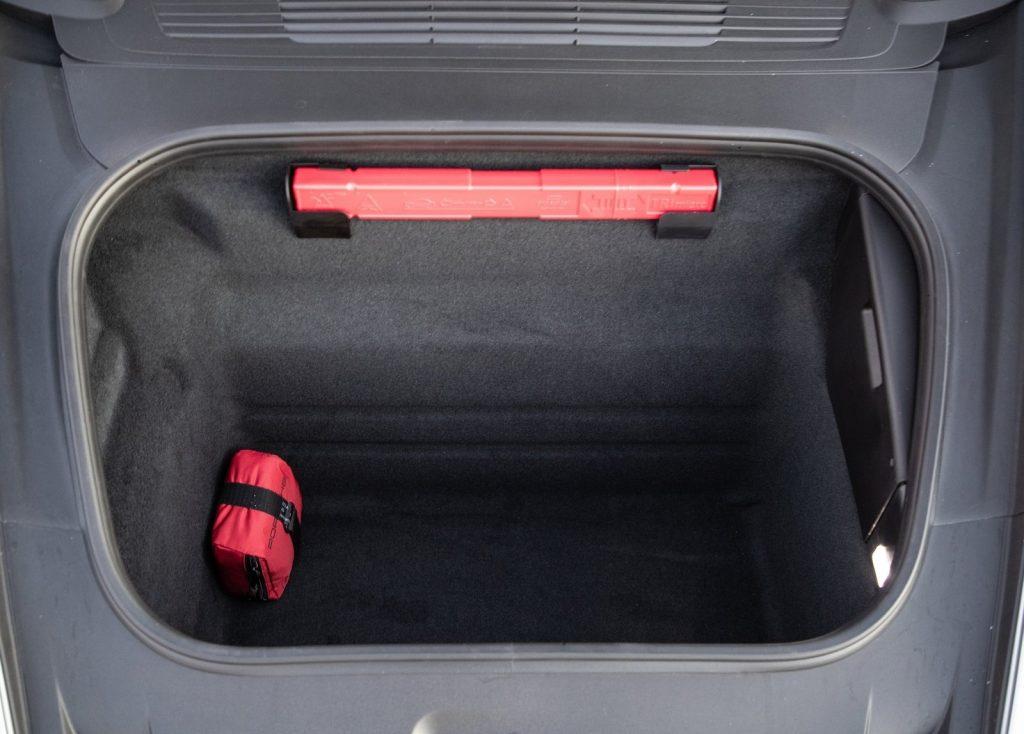 Новый Porsche 911, багажник