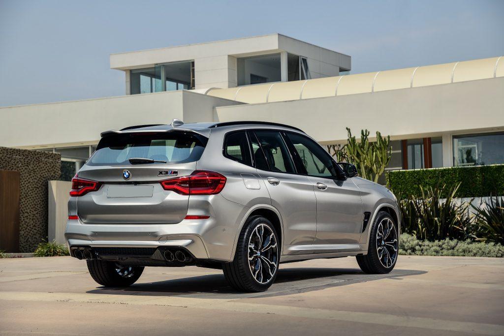 Новый BMW X3 M, вид сзади