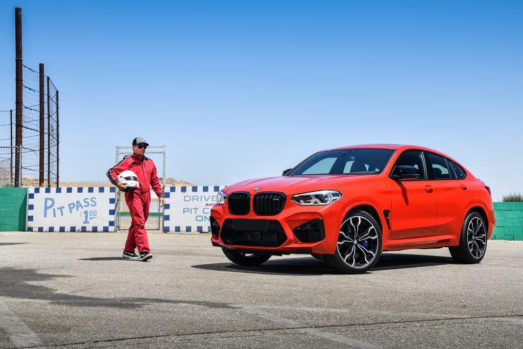 Новый BMW X4 M, вид на переднюю диагональ