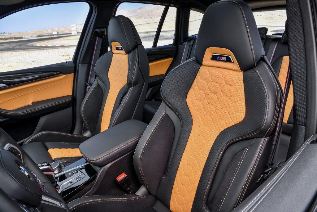Новый BMW X3 M, передние сиденья