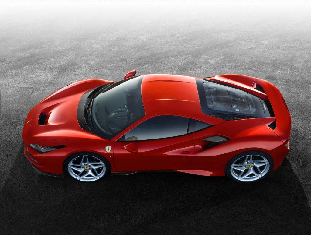 Ferrari F8 Tributo, вид сверху