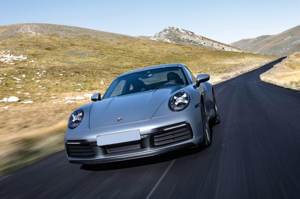 Porsche 911 2019, вид спереди