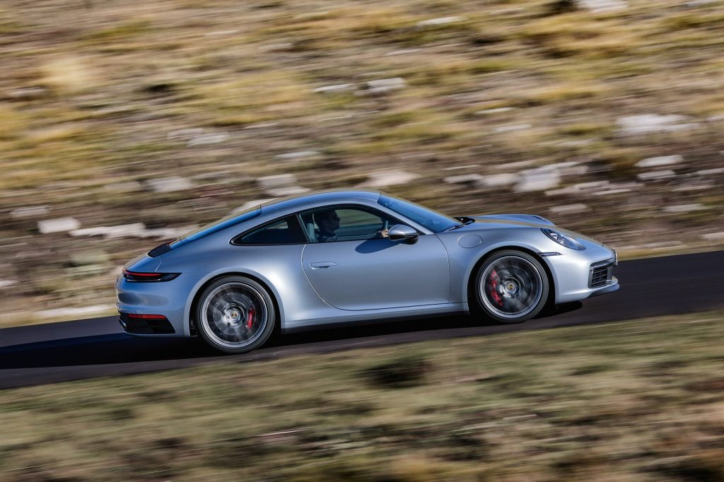 Porsche 911 2019, вид сбоку