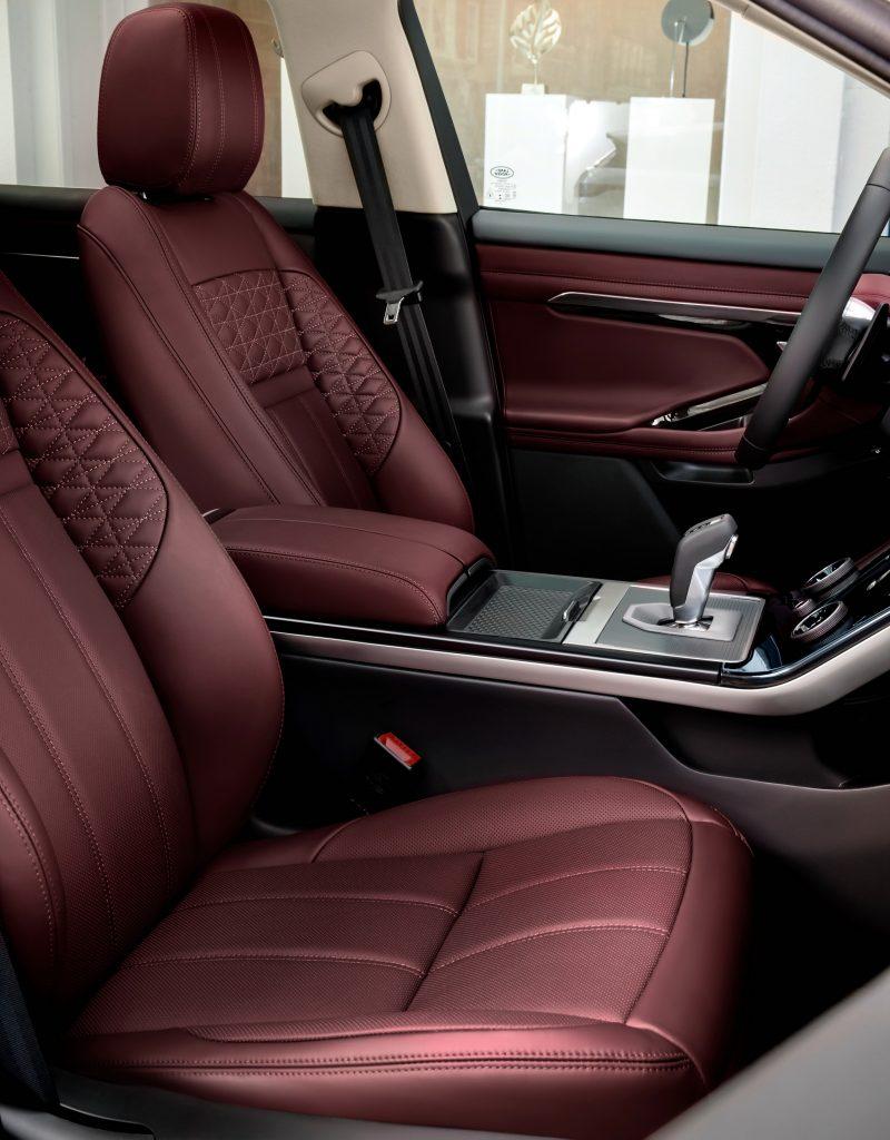 Range Rover Evoque, передние сиденья