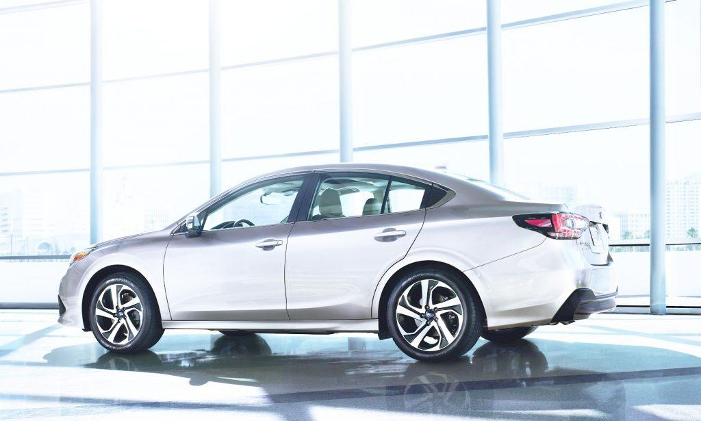 Subaru Legacy, вид на заднюю диагональ