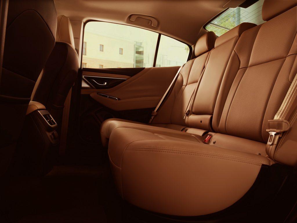 Новый Subaru Legacy, задние сиденья