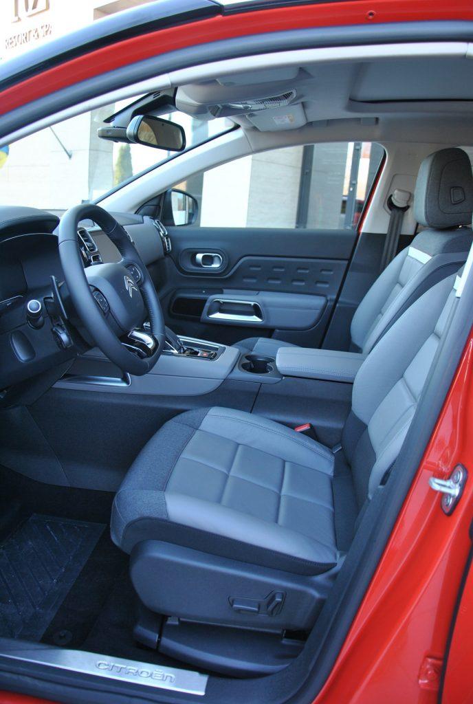 Citroen C5 Aircross, передние сиденья