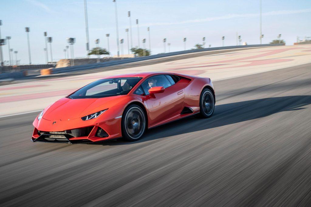Lamborghini Huracan Evo, вид на переднюю диагональ