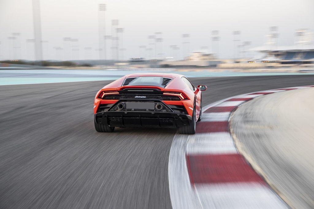 Lamborghini Huracan Evo 2019, вид сзади