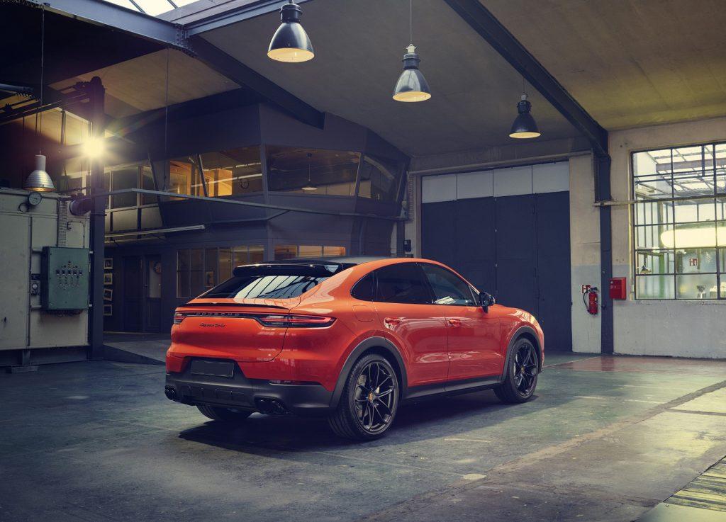 Porsche Cayenne Coupe 2019, вид сзади