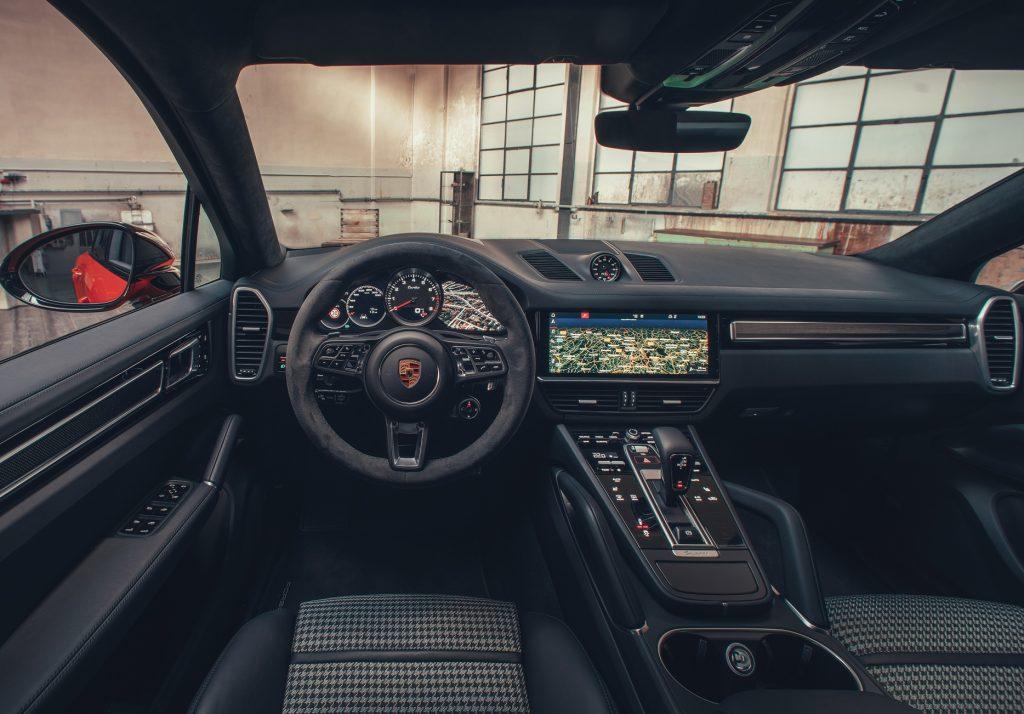 Новый Porsche Cayenne Coupe, салон