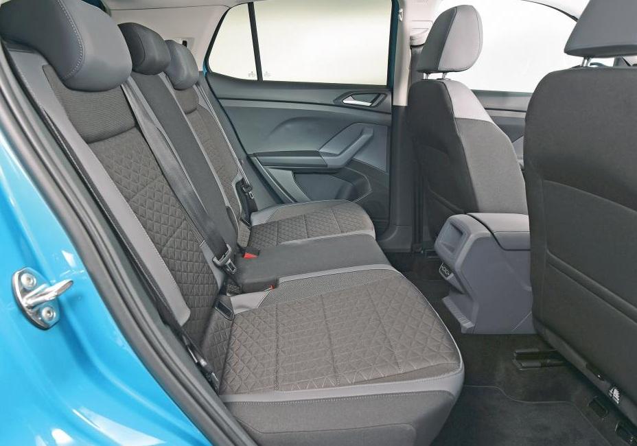 Новый Volkswagen T-Cross, задние сиденья