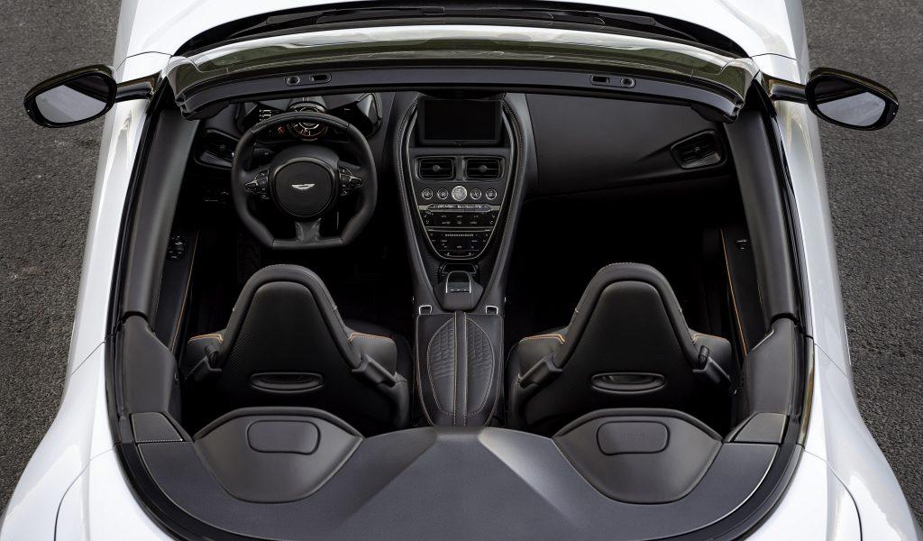 Aston Martin DBS Superleggera Volante 2019, салон