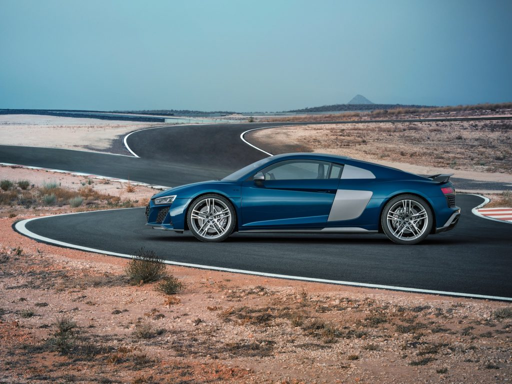 Audi R8 2019, вид сбоку
