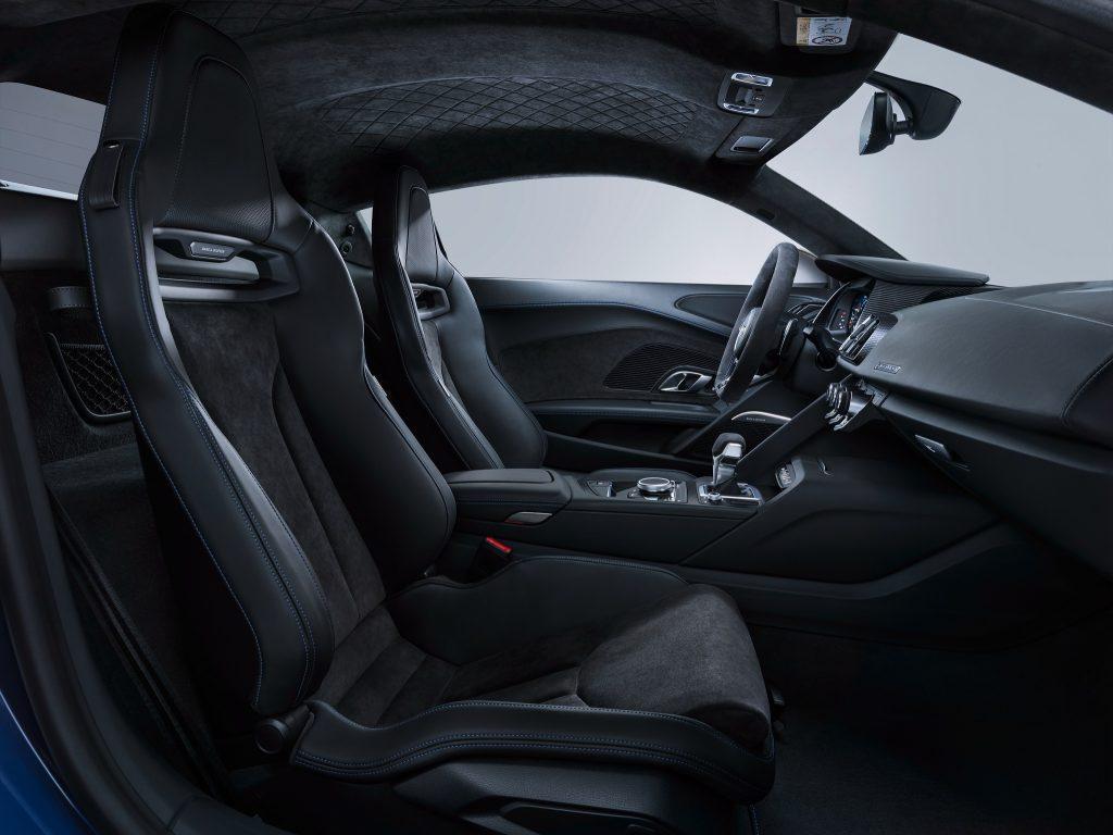 Новый Audi R8, передние сиденья