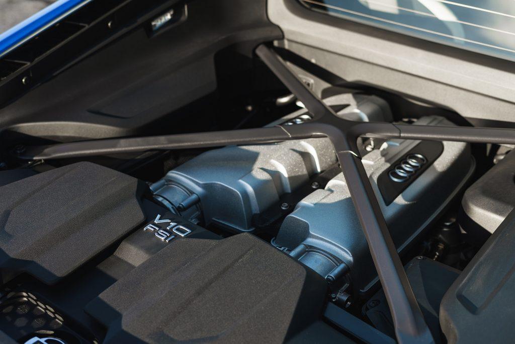 Audi R8 2019, двигатель