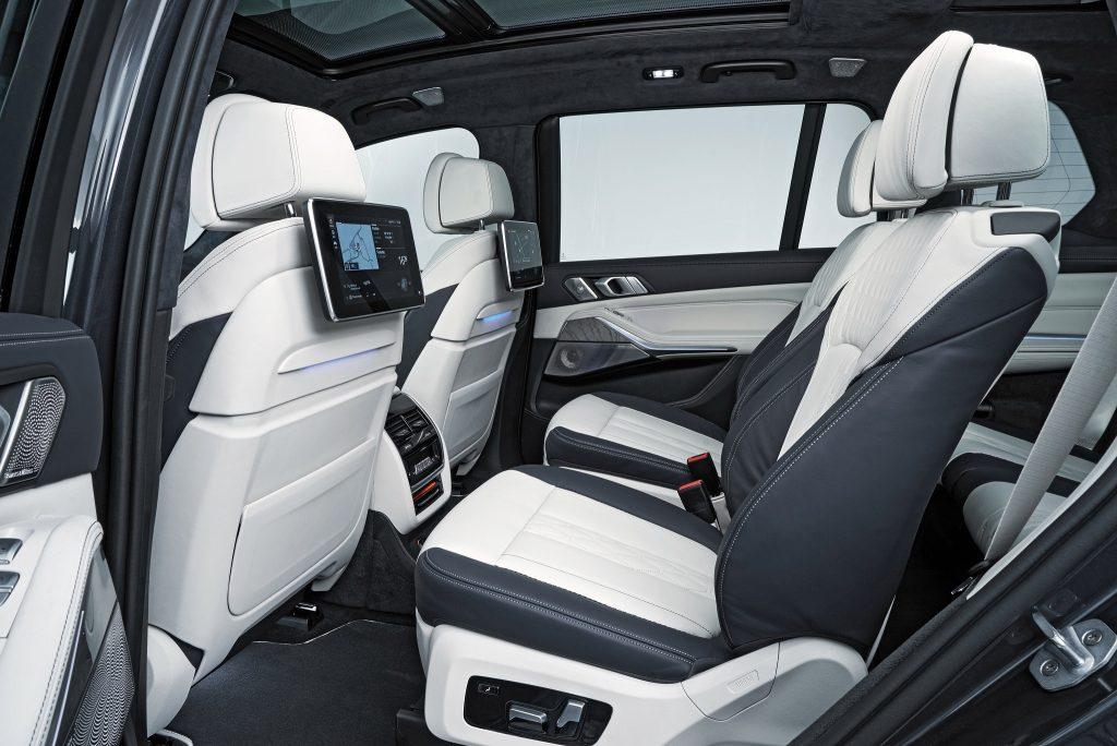 BMW X7, сиденья второго ряда