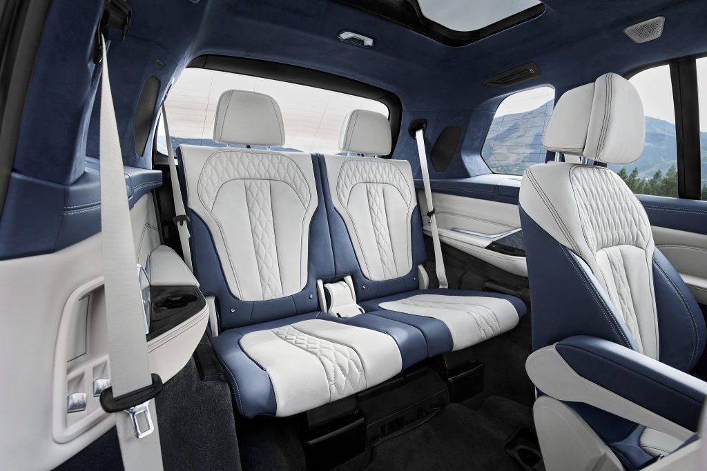 BMW X7, третий ряд сидений