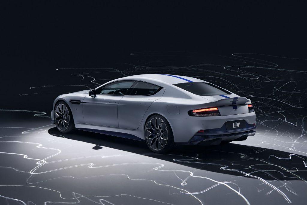 Aston Martin RapidE, вид на заднюю диагональ