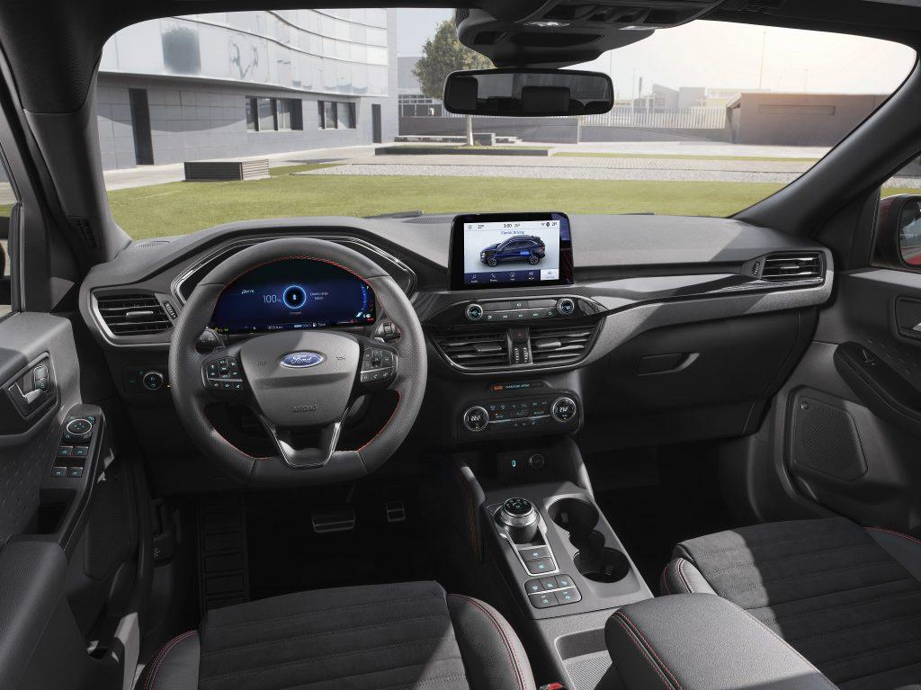 Новый Ford Kuga, передняя панель