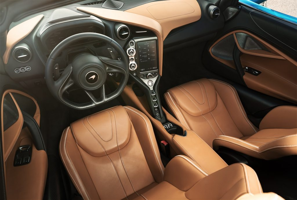 Новый McLaren 720S Spider, салон