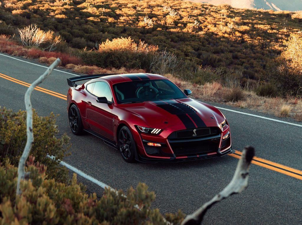 Новейший 750-сильный Shelby GT500 2019 года