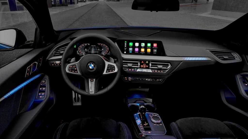 BMW 1 Series 2019, передняя панель