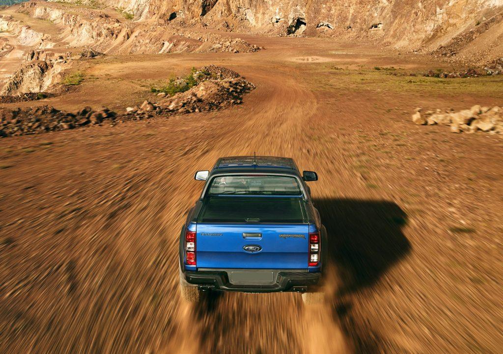 Новый Ford Ranger Raptor, вид сзади
