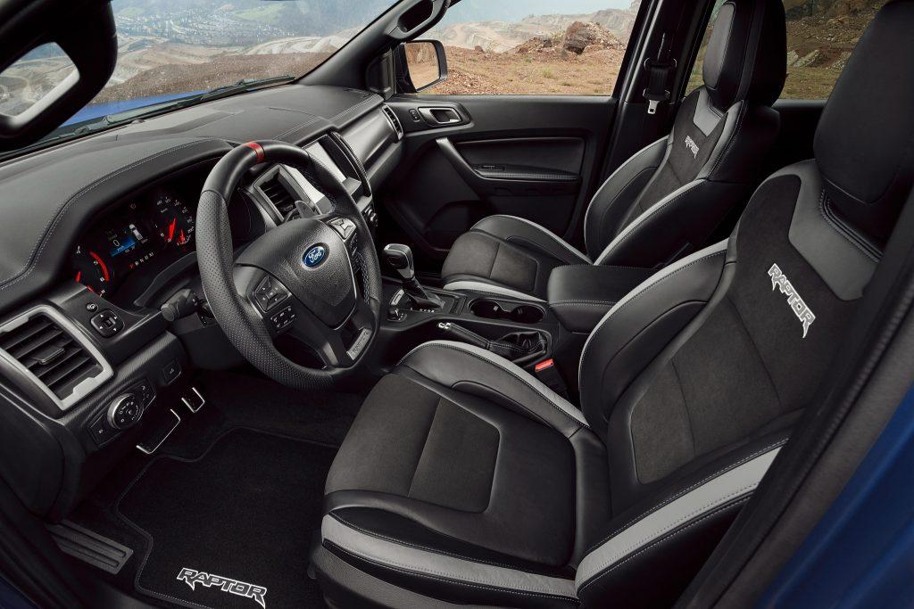 Ford Ranger Raptor, передние сиденья