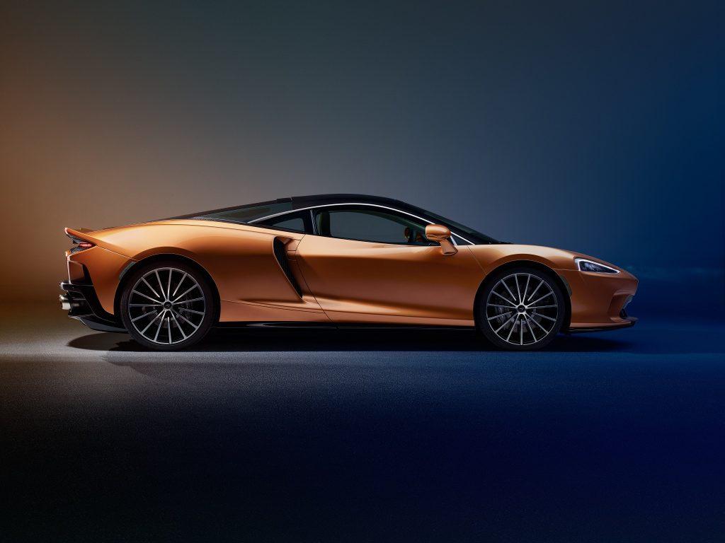 McLaren GT 2019, вид сбоку