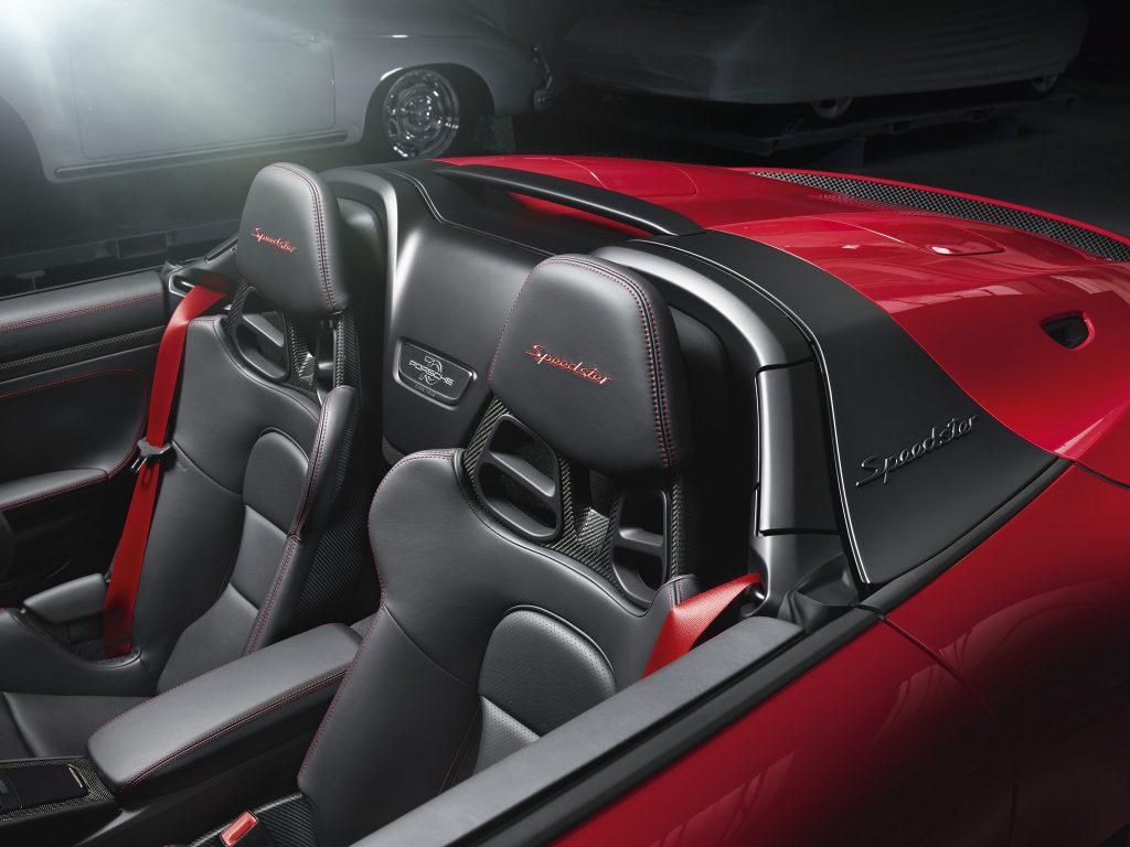 Новый Porsche 911 Speedster, сиденья