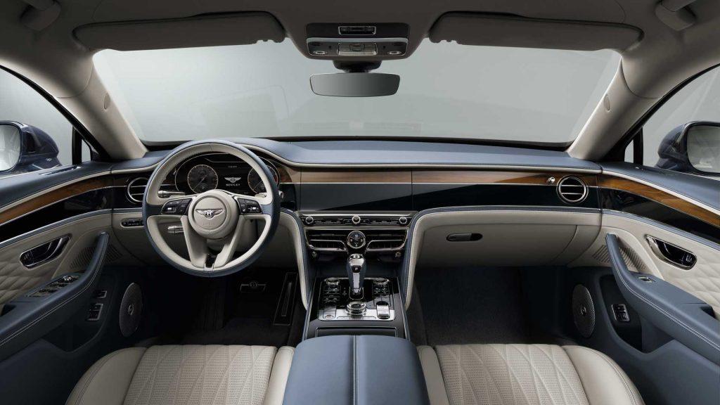 Новый Bentley Flying Spur, передняя панель