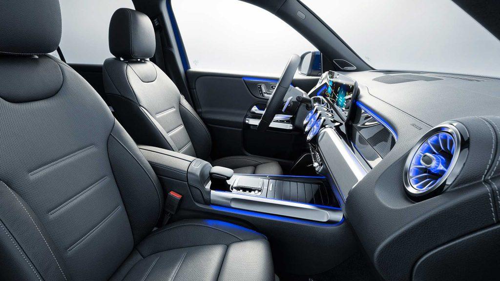 Mercedes-Benz GLB, передние сиденья