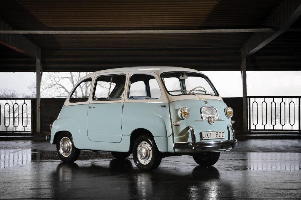 Fiat 600 Multipla 1956 года - один из первых в мире мини-вэнов