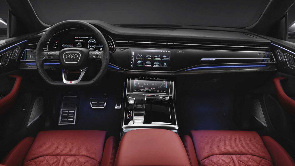 Audi SQ8, передняя панель