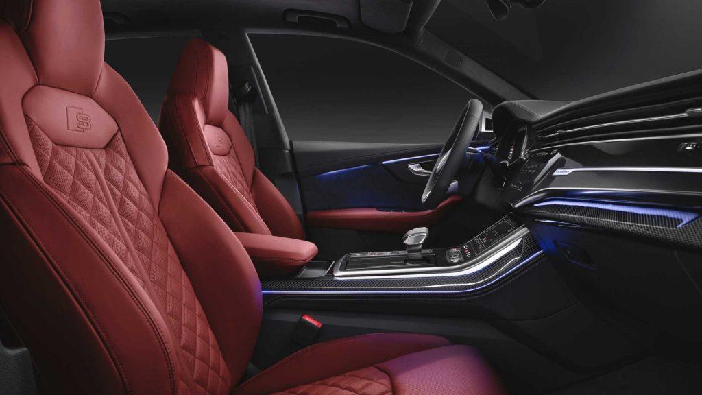 Новый Audi SQ8, передние сиденья