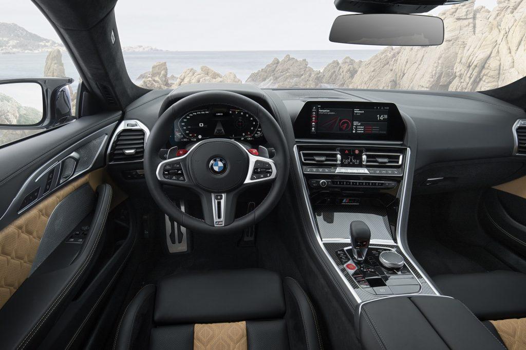 Новый BMW M8, передняя панель