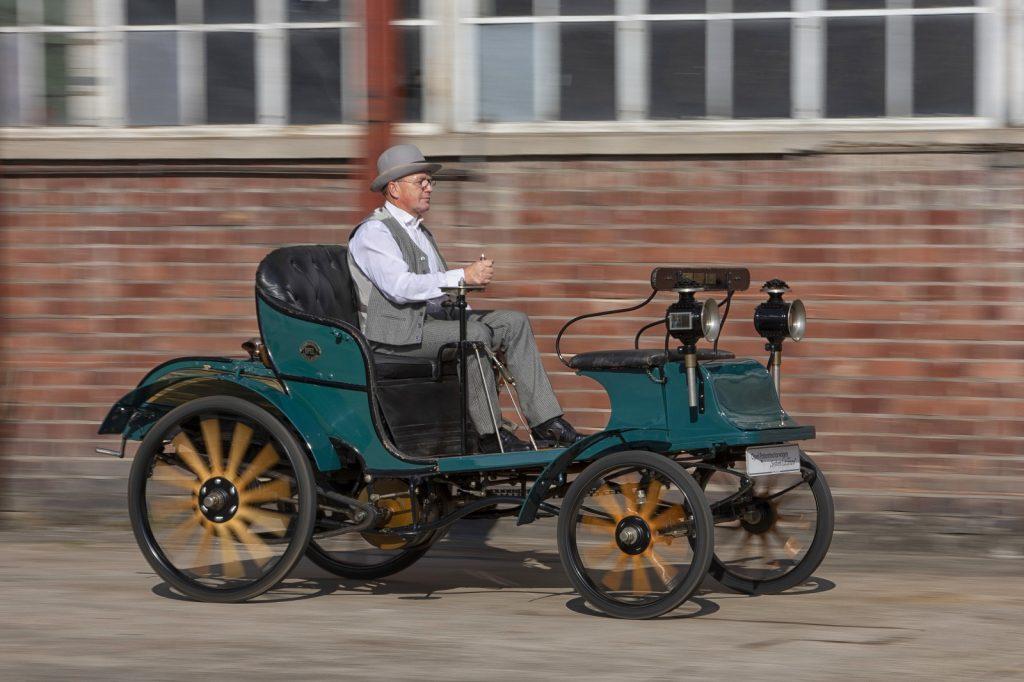 Первый Opel Motorwagen 1899 года