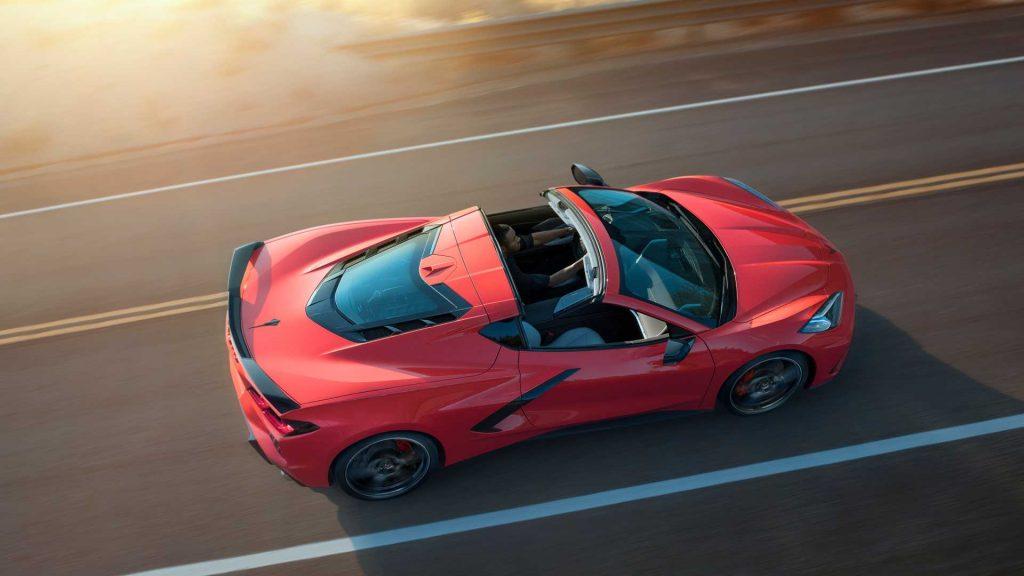Новый Chevrolet Corvette 2020, вид сверху