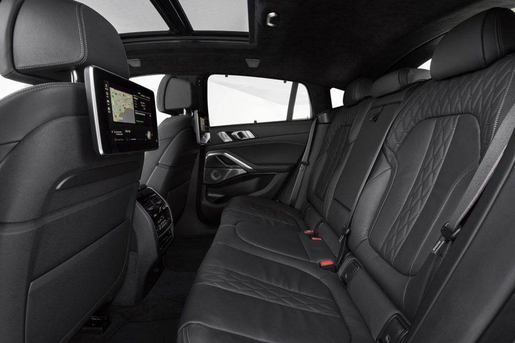 BMW X6 2019, задние сиденья