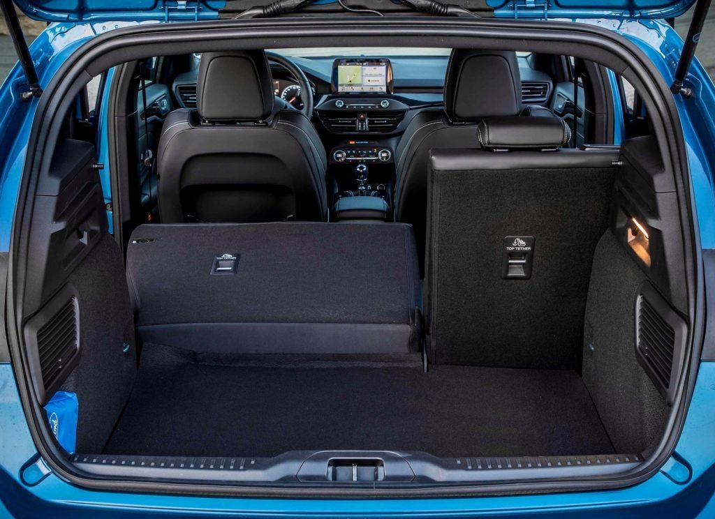 Ford Focus ST 2019, багажник