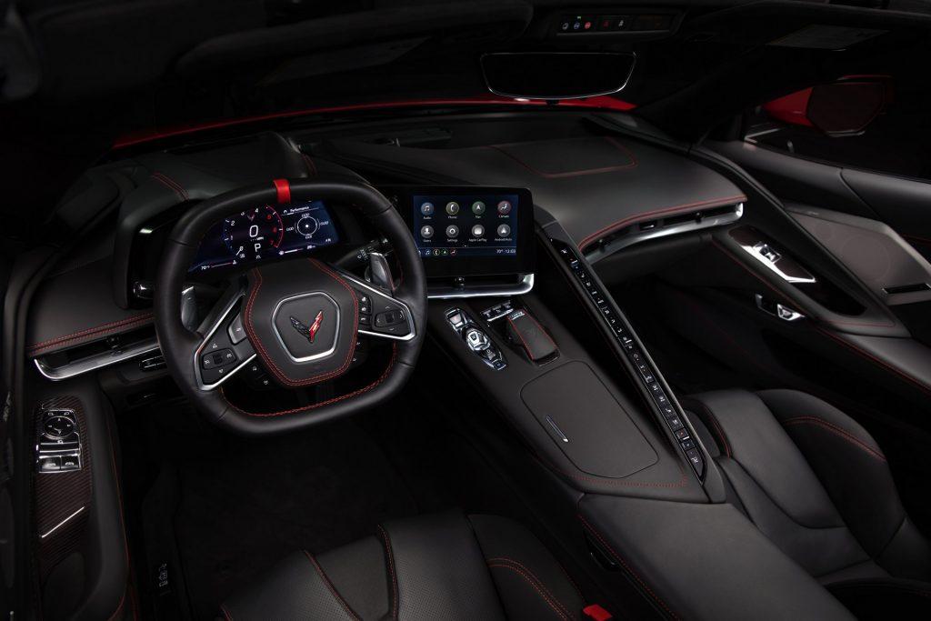 Chevrolet Corvette 2020, передняя панель