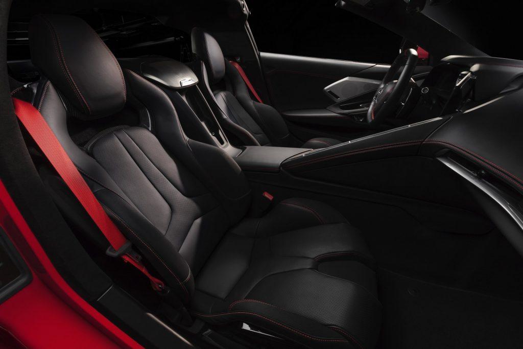 Новый Chevrolet Corvette, передние сиденья