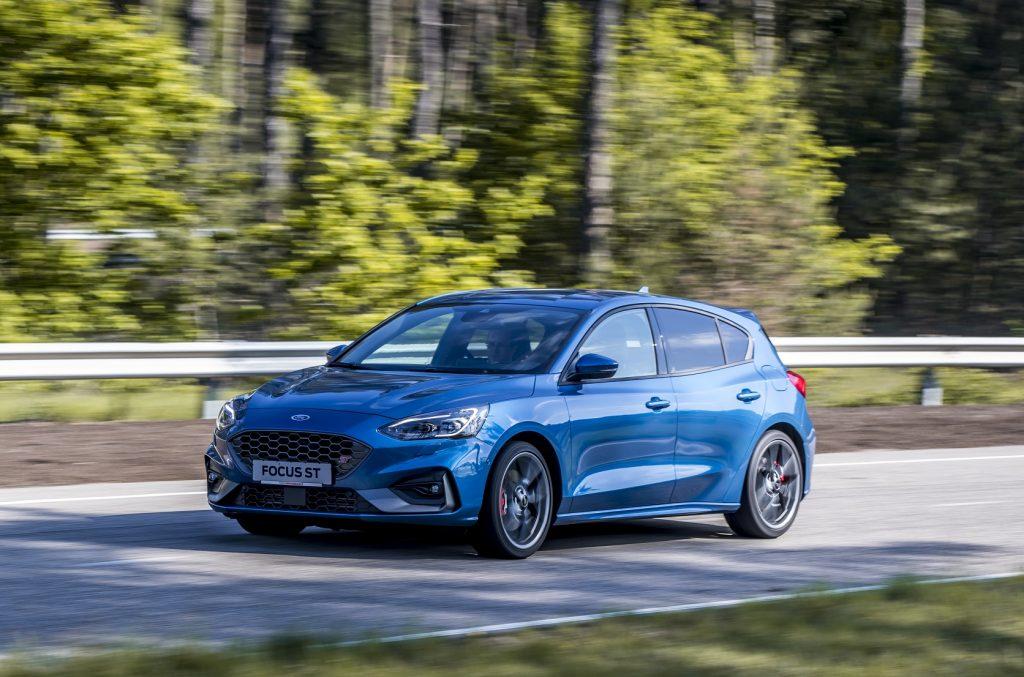 Ford Focus ST 2019, вид спереди