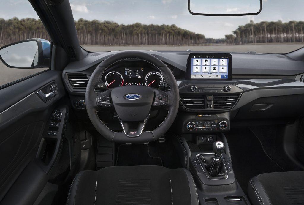 Ford Focus ST, передняя панель