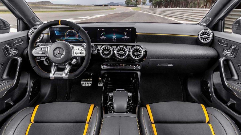 Mercedes-AMG A45 2019, передняя панель