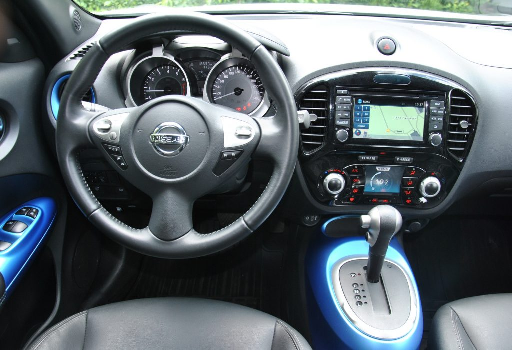 Новый Nissan Juke, передняя панель