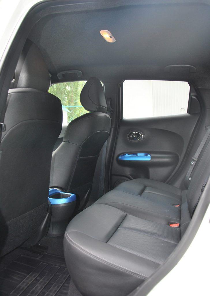 Nissan Juke, задние сиденья