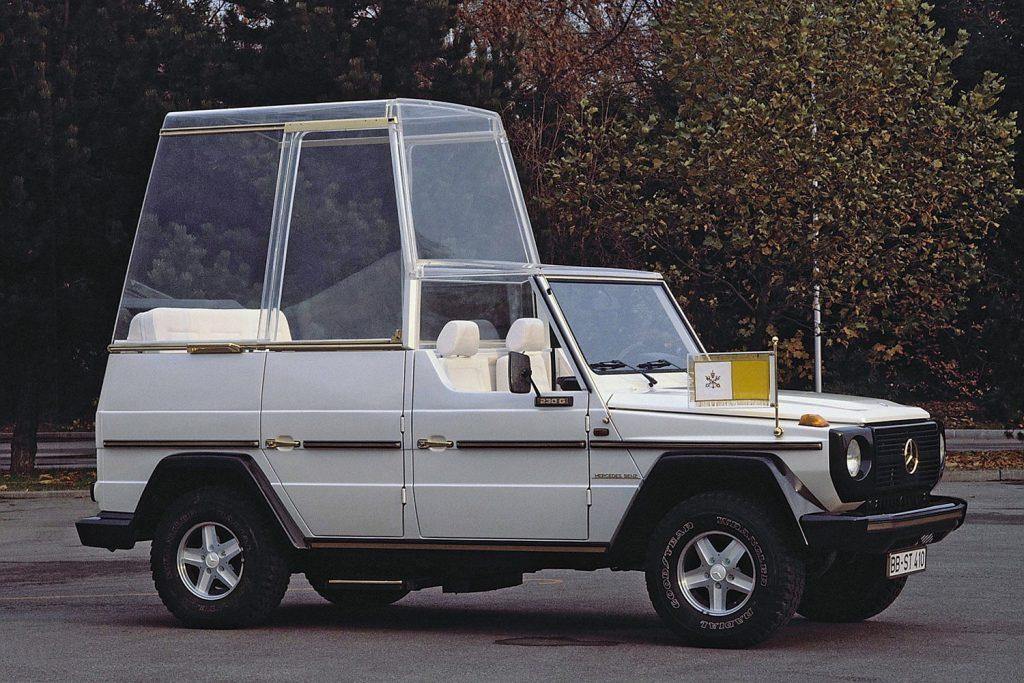 Mercedes-Benz G-Class - пожалуй, самый известный папамобиль