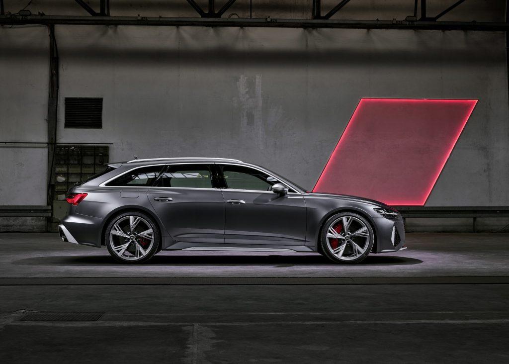 Audi RS6 Avant 2020, вид сбоку